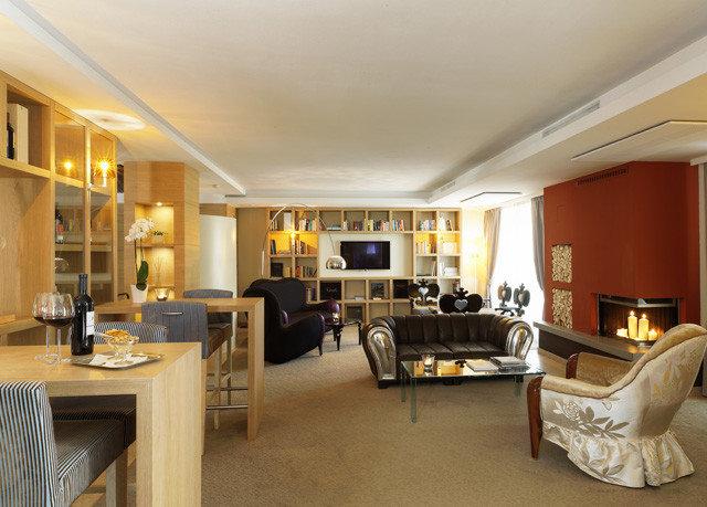 property living room condominium home hardwood Suite Villa