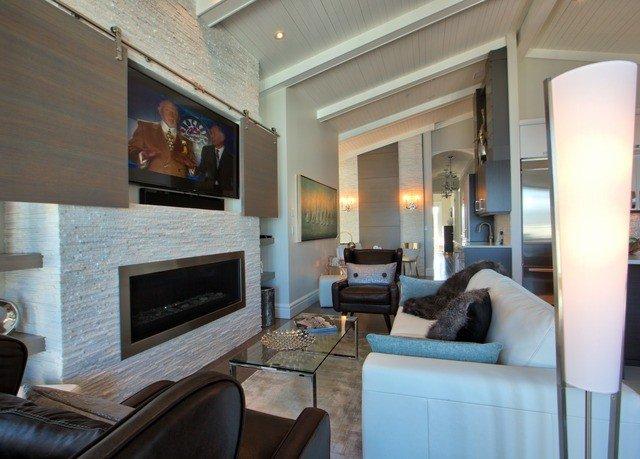 sofa property living room condominium home Suite Villa mansion