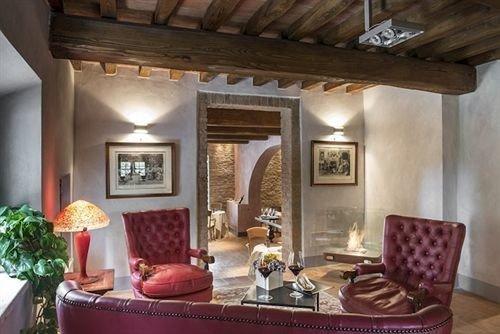 living room property home Villa cottage mansion farmhouse Suite hacienda dining table