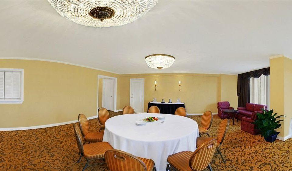 property Suite cottage Villa dining table