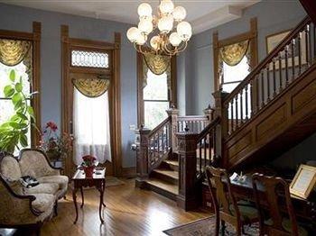 property living room home cottage hardwood mansion Villa Suite farmhouse