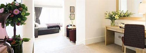 plant property home Suite cottage flooring Villa flat