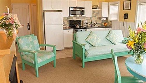 property living room green home Suite cottage Villa