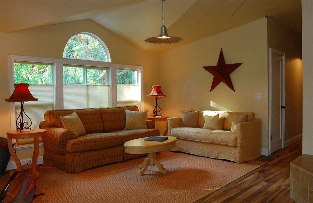 property living room hardwood home cottage Suite Villa lamp