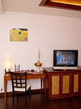 property hardwood home cottage living room Suite Villa