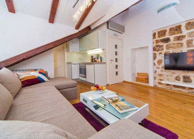 property living room cottage home hardwood Villa Suite loft
