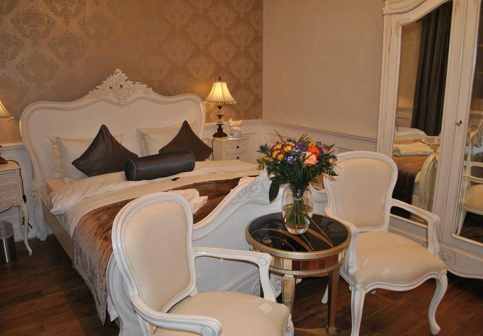 property living room Suite home cottage mansion Villa restaurant