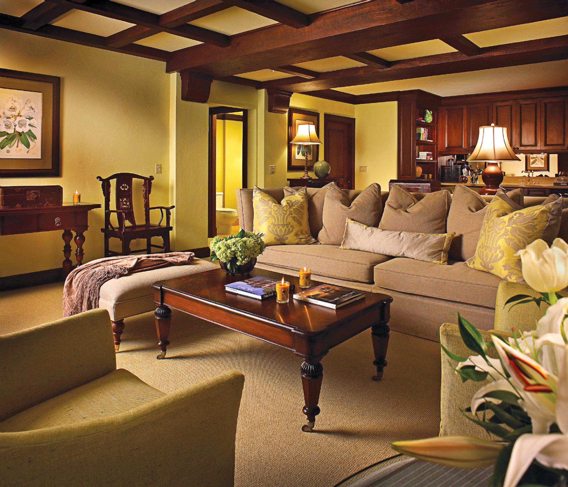 sofa living room property recreation room Suite home cottage Villa