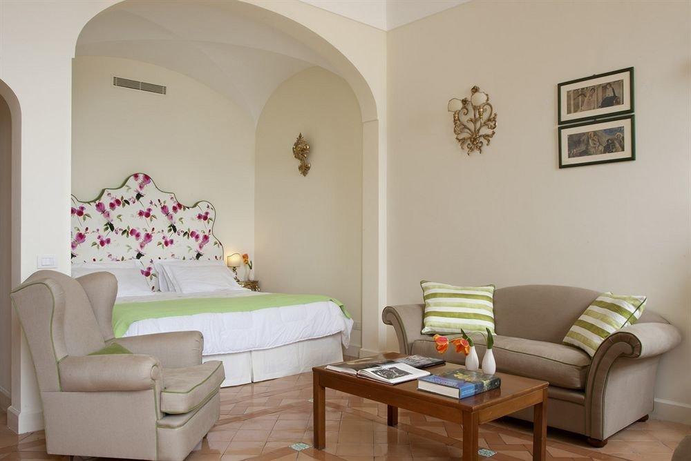 sofa property living room home cottage Suite Villa leather