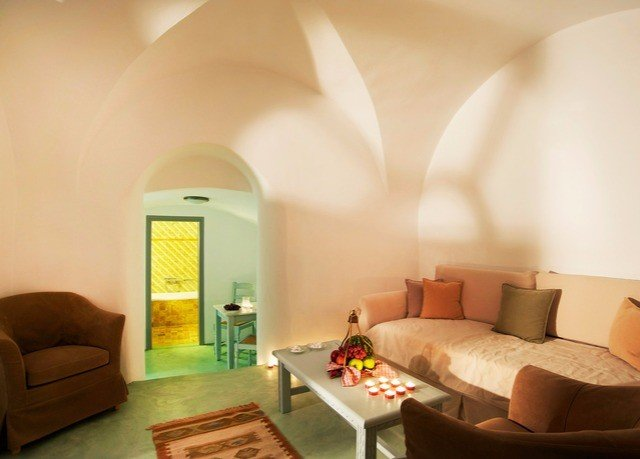 sofa property Suite living room Villa flat