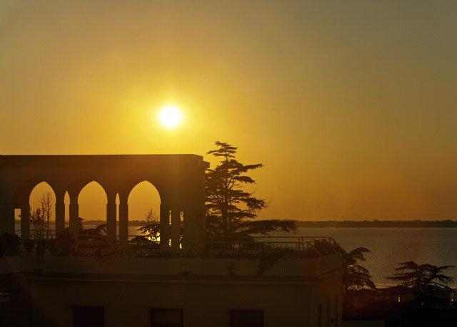 sky sunrise building atmospheric phenomenon Sunset dawn horizon afterglow morning dusk evening night Sun sunlight haze