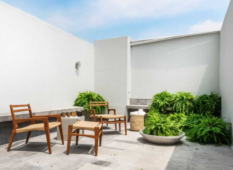 artistic artsy Boutique chic Greenery Hip Jetsetter Guides lounge chairs Luxury Modern Patio private quaint Terrace trendy outdoor property room house real estate condominium Villa home Courtyard interior design facade estate hacienda professional Design Resort apartment cottage