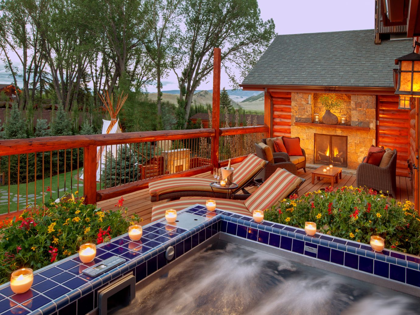 Budget Country Deck Family Fireplace Grounds Hot tub Hot tub/Jacuzzi Lodge Spa tree outdoor house swimming pool backyard Resort estate home real estate amusement park