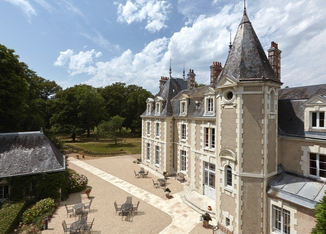 sky tree building property landmark Town mansion tours château palace monastery stone castle