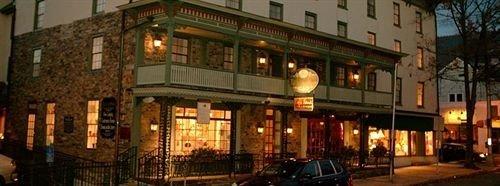building Town plaza street tavern restaurant