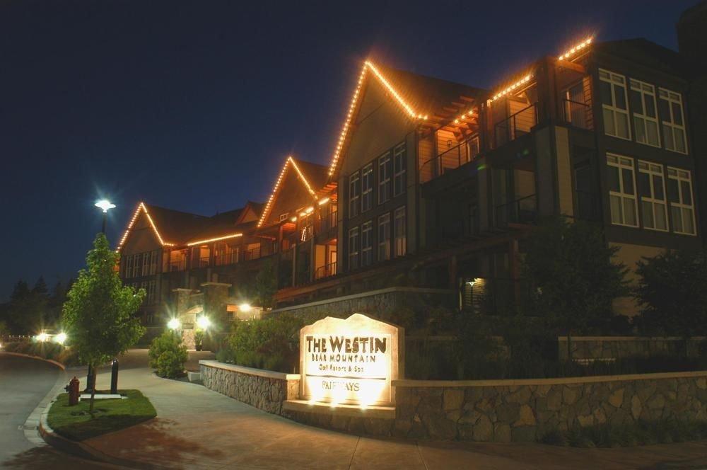 sky night light Town street house evening lighting sign restaurant