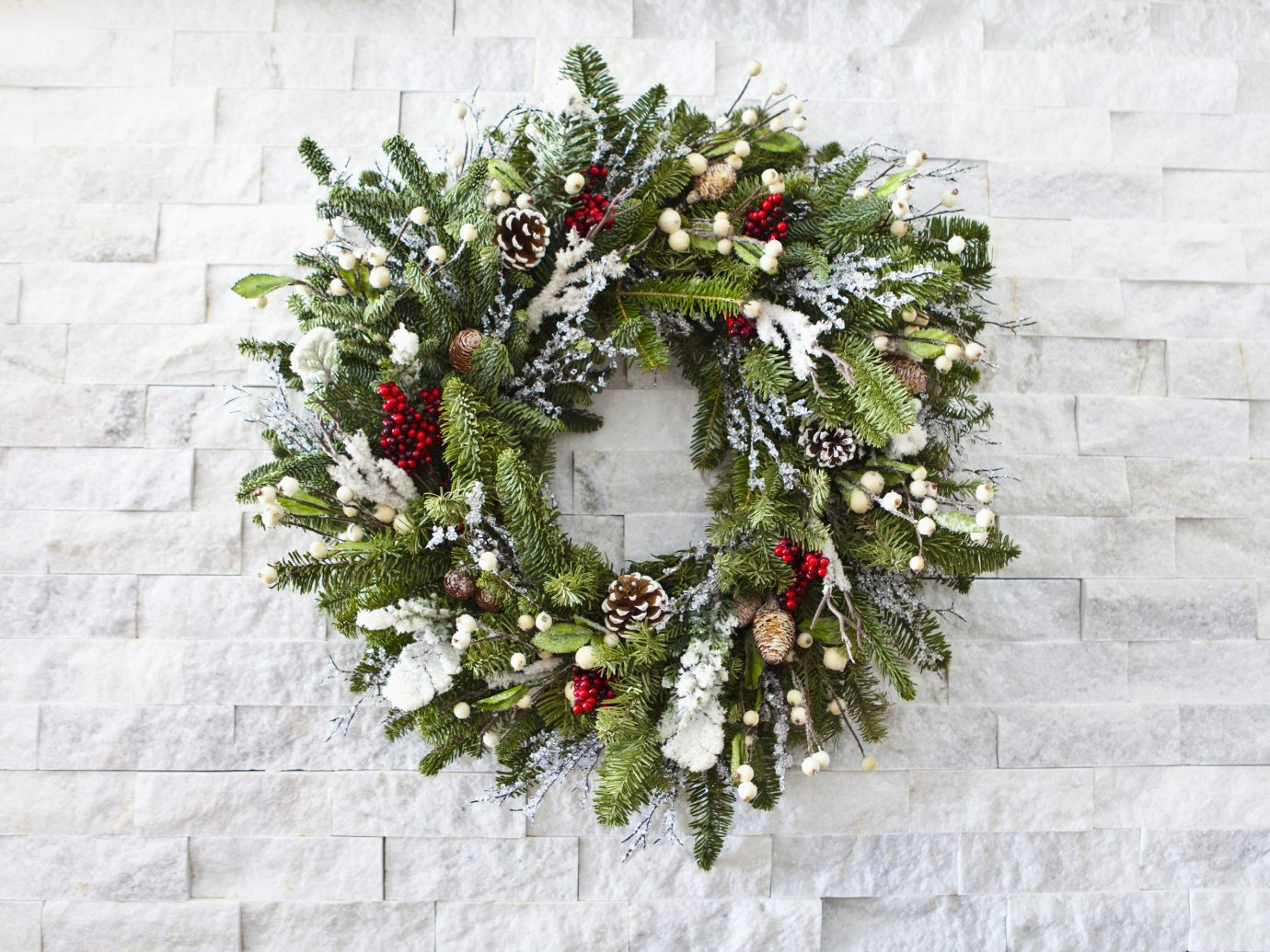 Style + Design building flower wreath christmas decoration branch plant flower arranging floristry twig decor Christmas tree floral design stone set