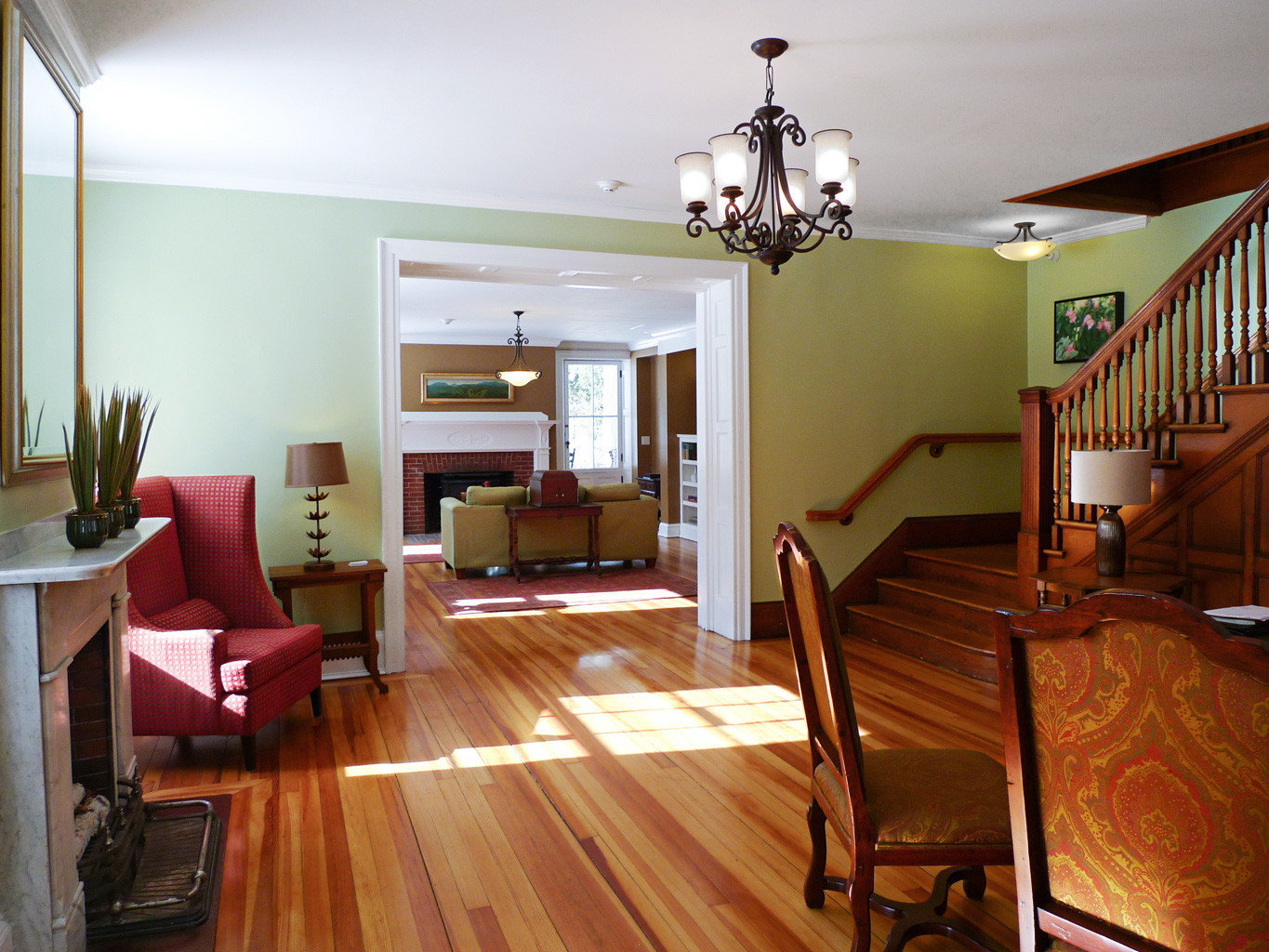 Classic Country Inn Living indoor floor wall room property ceiling wood home real estate wooden hardwood estate cottage furniture living room dining room interior design apartment wood flooring hard Suite area