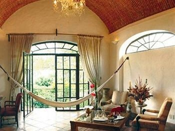 property chair Villa living room home cottage hacienda mansion arch farmhouse
