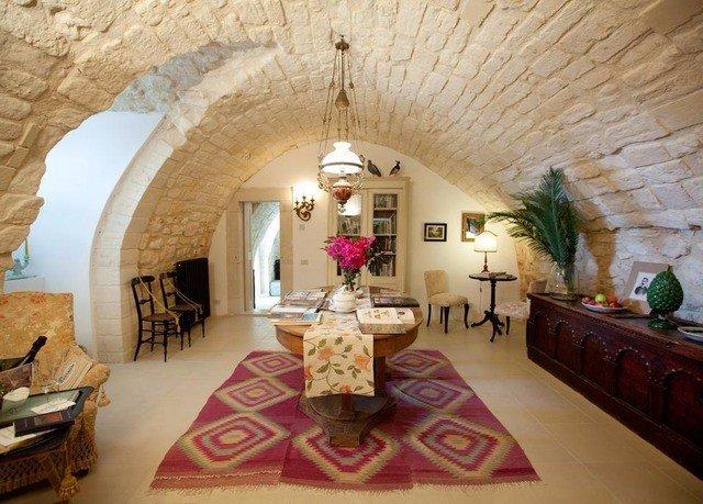 property living room home Villa cottage mansion hacienda farmhouse arch