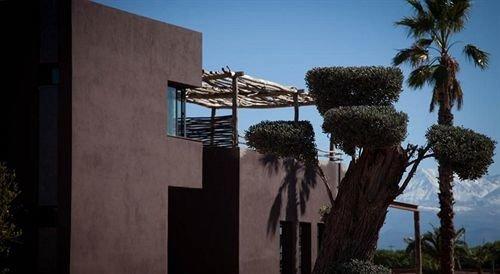 tree property home Villa arecales condominium mansion