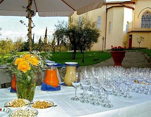 banquet floristry restaurant backyard function hall flower Villa centrepiece dining table