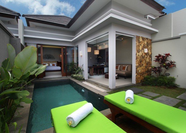 green property home Villa recreation room condominium billiard room swimming pool mansion outdoor structure backyard