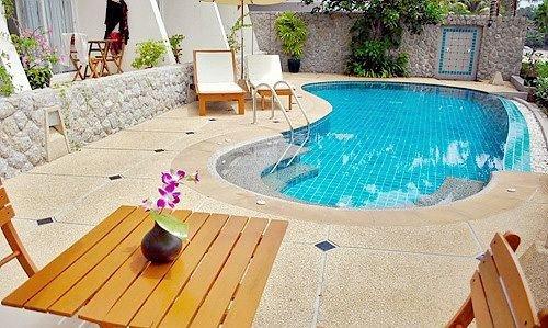 swimming pool chair property leisure backyard Villa cottage