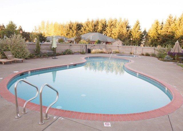 sky ground swimming pool property leisure reflecting pool backyard Villa