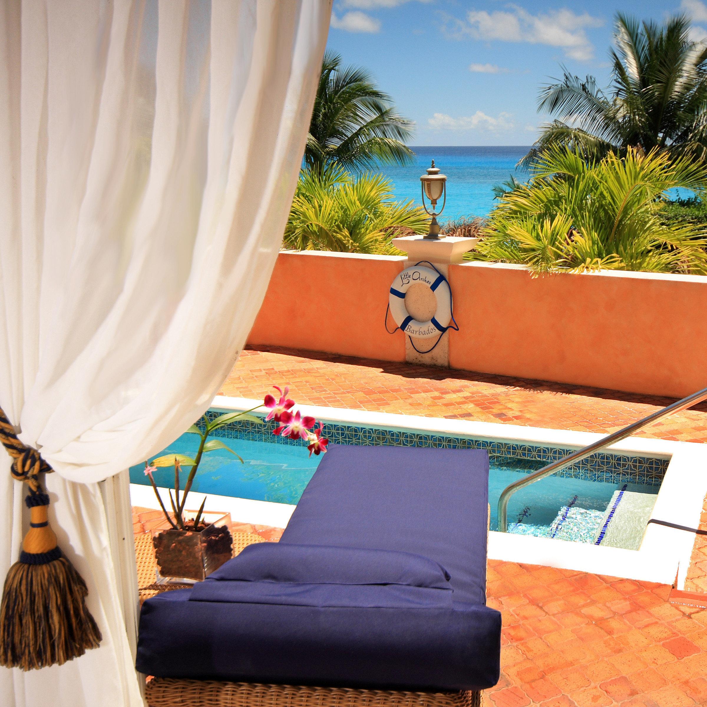 leisure swimming pool Villa backyard
