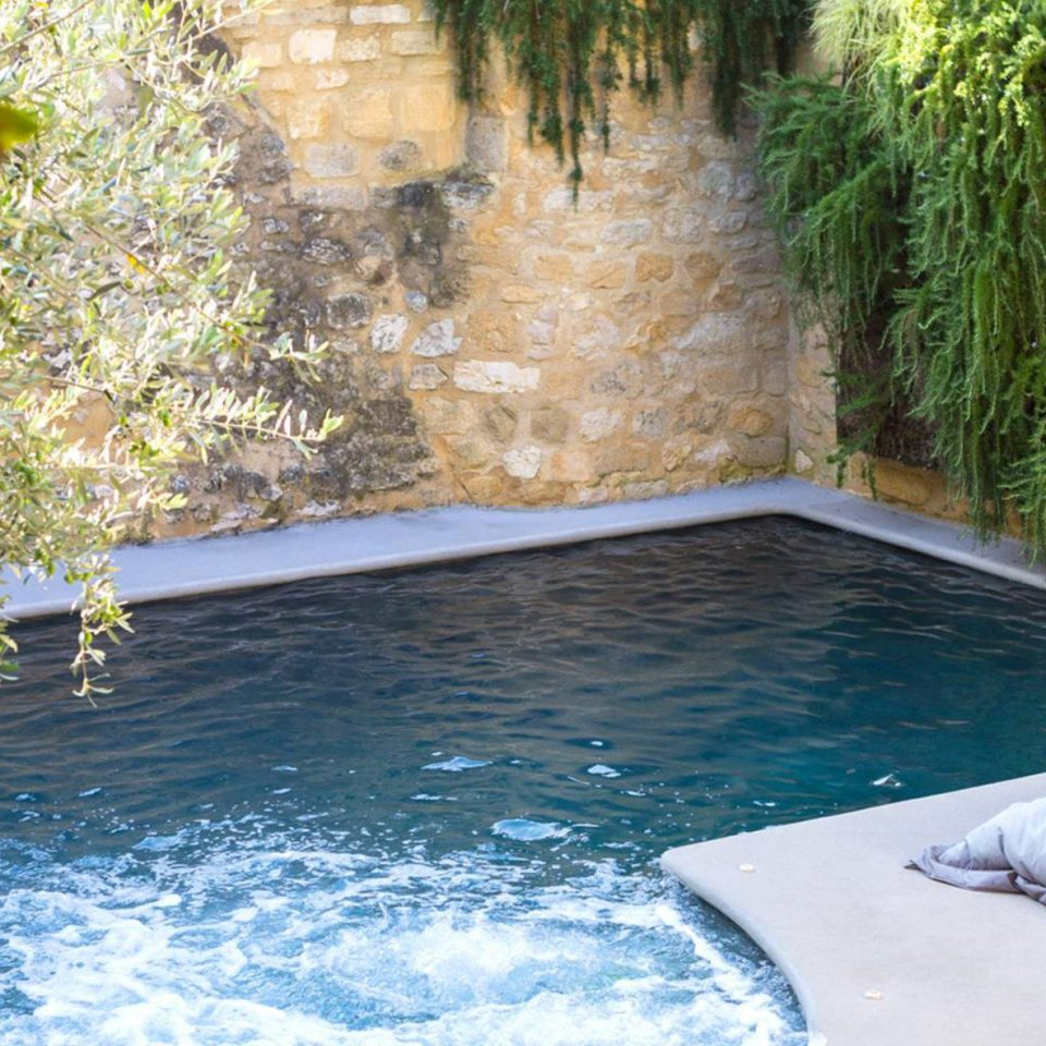 swimming pool backyard pond Villa water feature