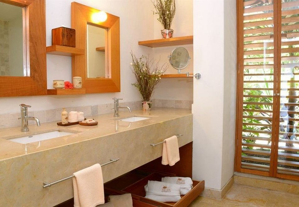 bathroom property sink home cottage condominium Villa