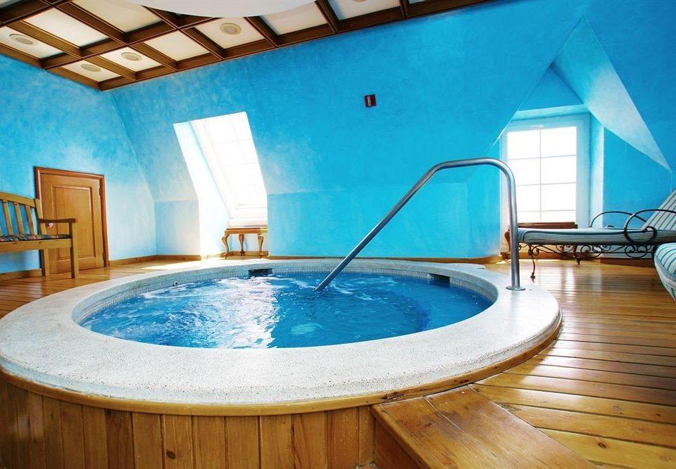 vessel swimming pool property leisure blue jacuzzi Villa tub bathtub