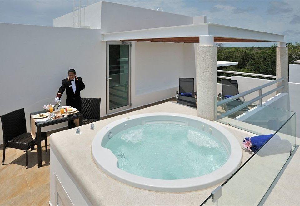 swimming pool property jacuzzi bathtub Villa condominium