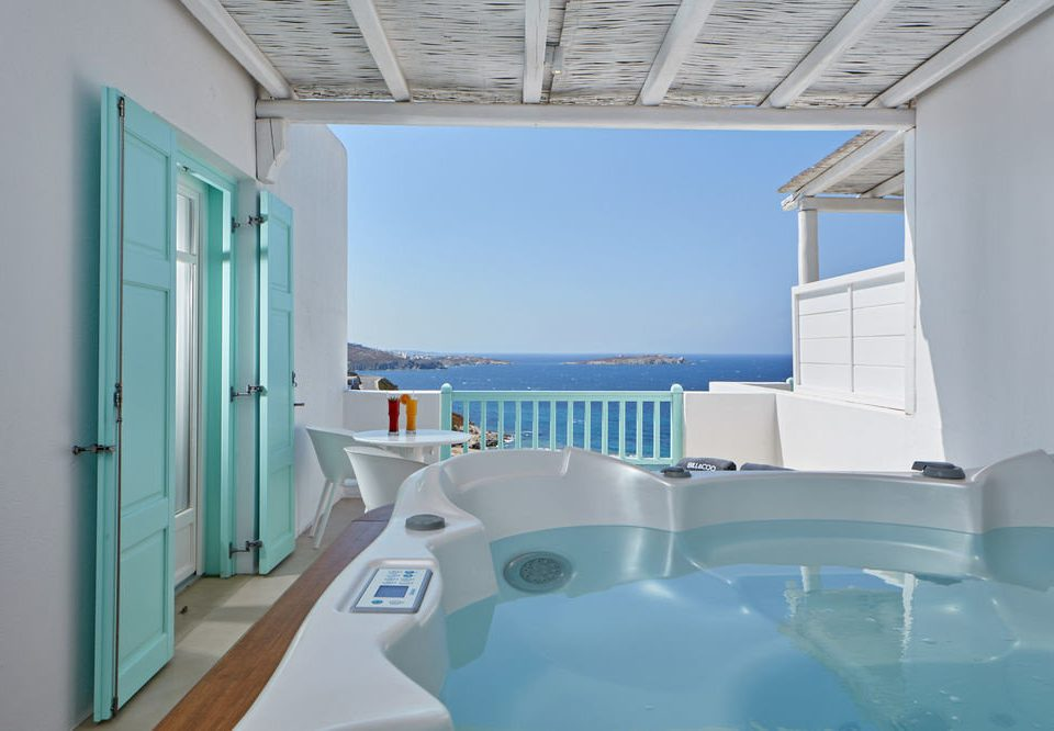 swimming pool property bathtub Villa tub