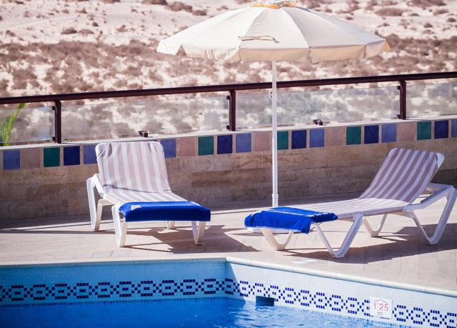 swimming pool leisure blue Villa