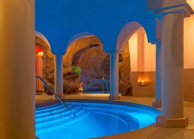 blue swimming pool Villa orange