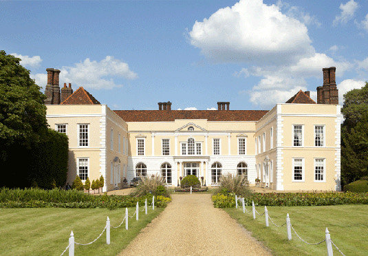 grass sky building stately home property house manor house home château residential area mansion lawn farmhouse Villa palace