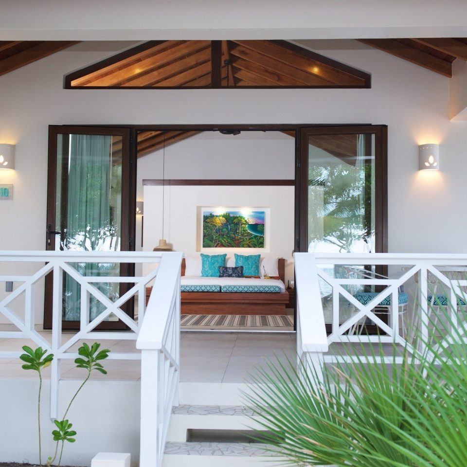 plant property building porch home house living room outdoor structure cottage Villa condominium farmhouse mansion