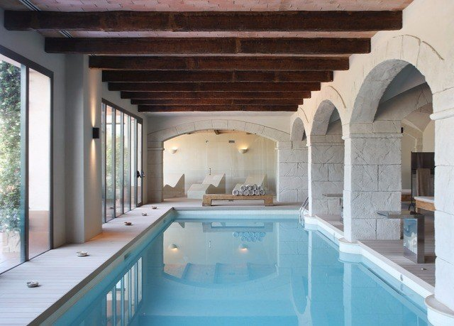 swimming pool property building Villa mansion tub