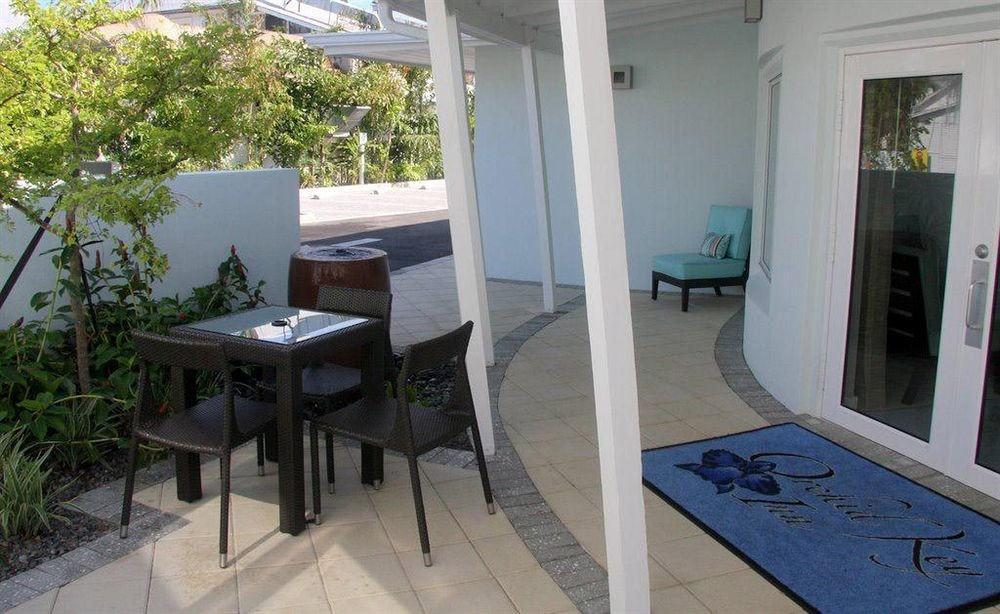 property Villa home cottage condominium outdoor structure porch