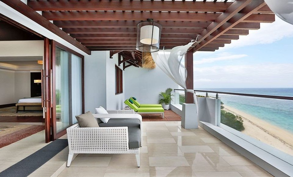 property Villa home living room cottage swimming pool outdoor structure condominium porch