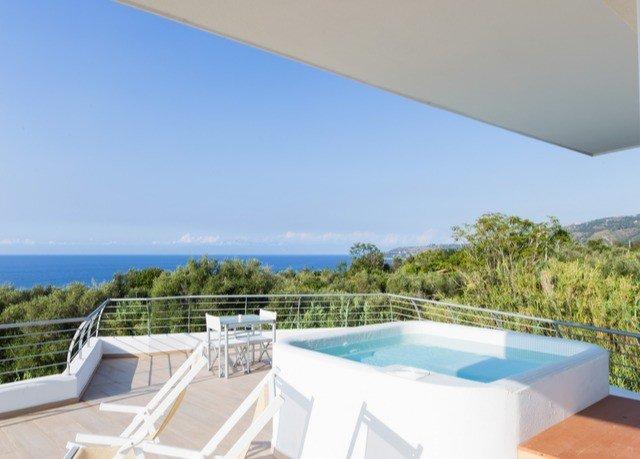 swimming pool property Villa condominium cottage