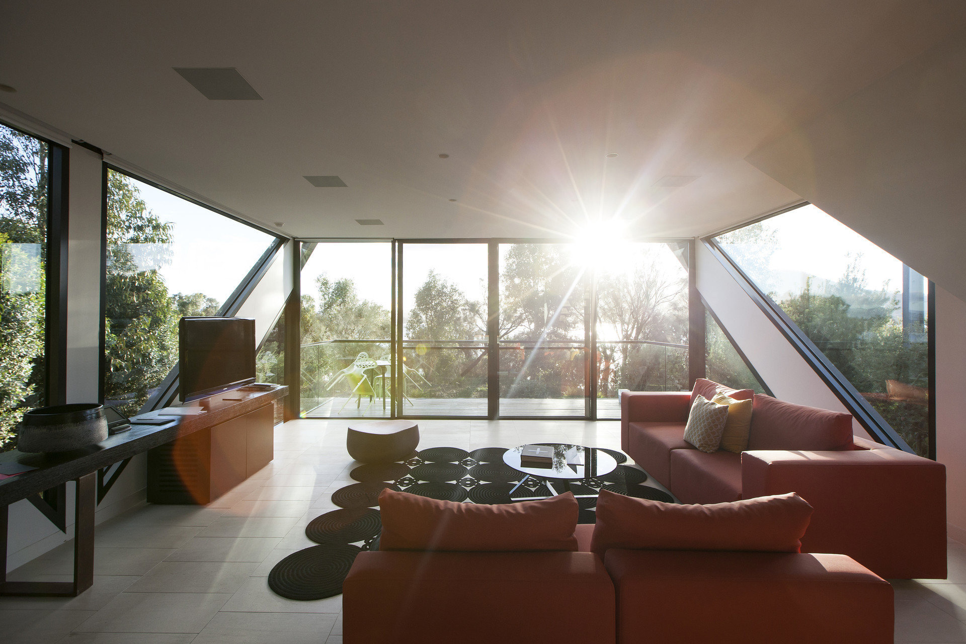 sofa property living room house home condominium daylighting Villa