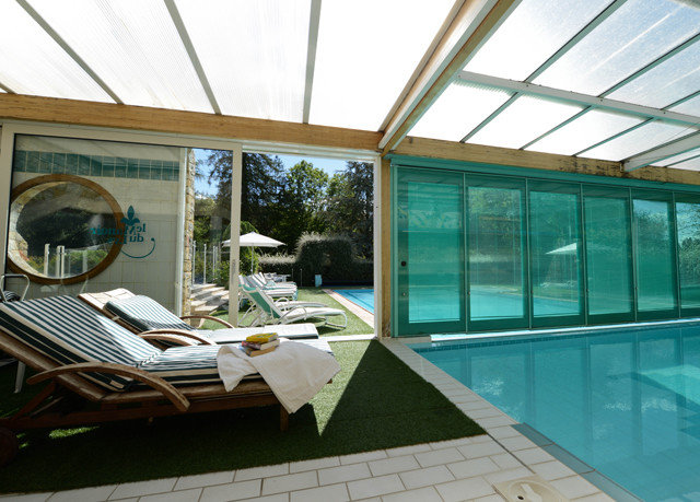 swimming pool property leisure daylighting home condominium outdoor structure Villa