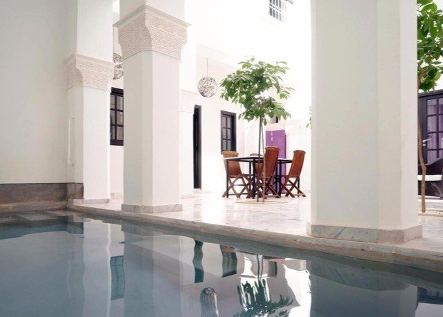 property home swimming pool Villa condominium mansion flooring dining table