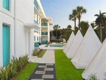 grass sky property green condominium Villa