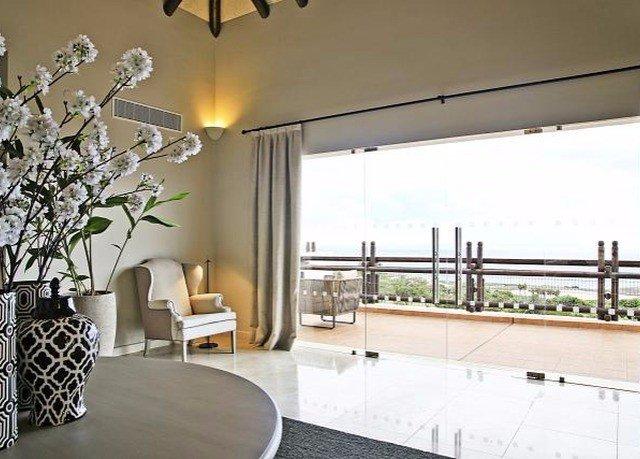 property condominium home lighting Villa living room