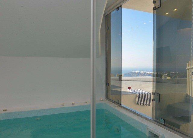 swimming pool property condominium Villa jacuzzi