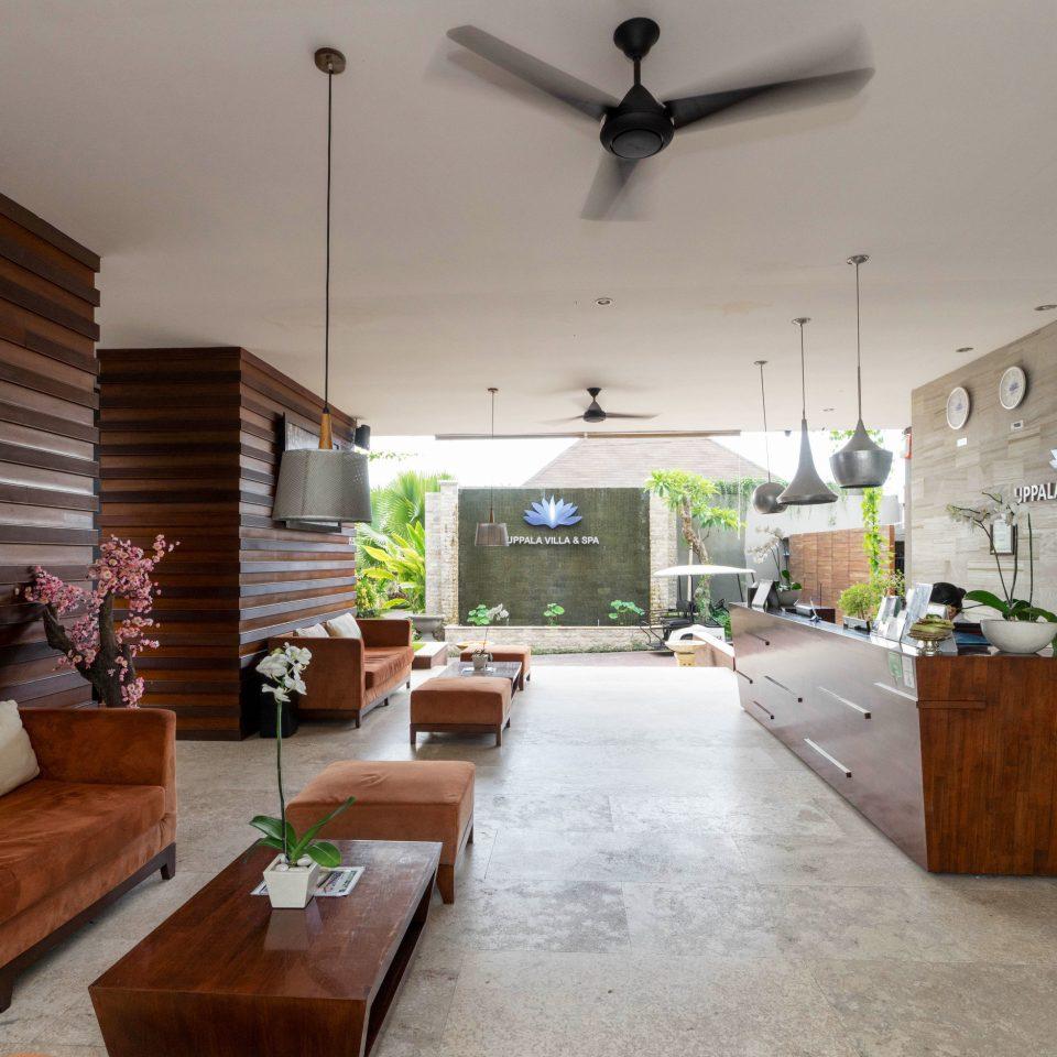 property home cottage hardwood living room farmhouse Villa
